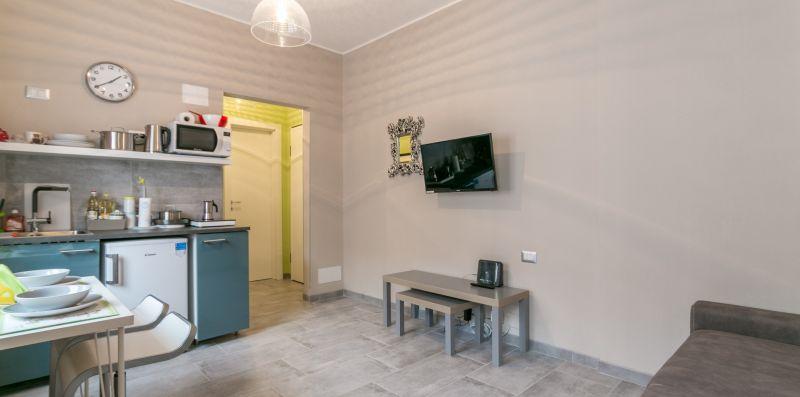 Cozy studio Central Station WiFi/AC/ NETFLIX - We Rent Italy