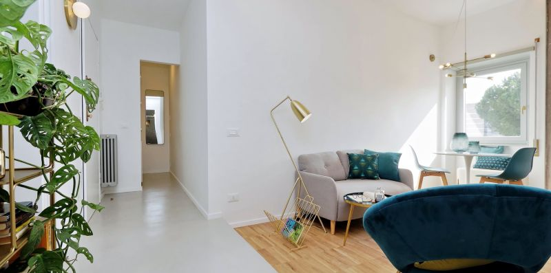 RENOVATED AND COZY FLAT CLOSE TO CENTER - YOUCOMEHERE SRLS
